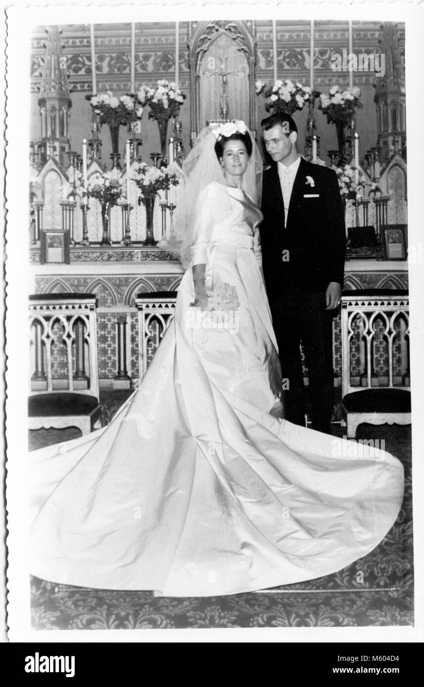 1960s 1970s wedding caucasian couple looking at camera. Black and white shot. Italy - Stock Image