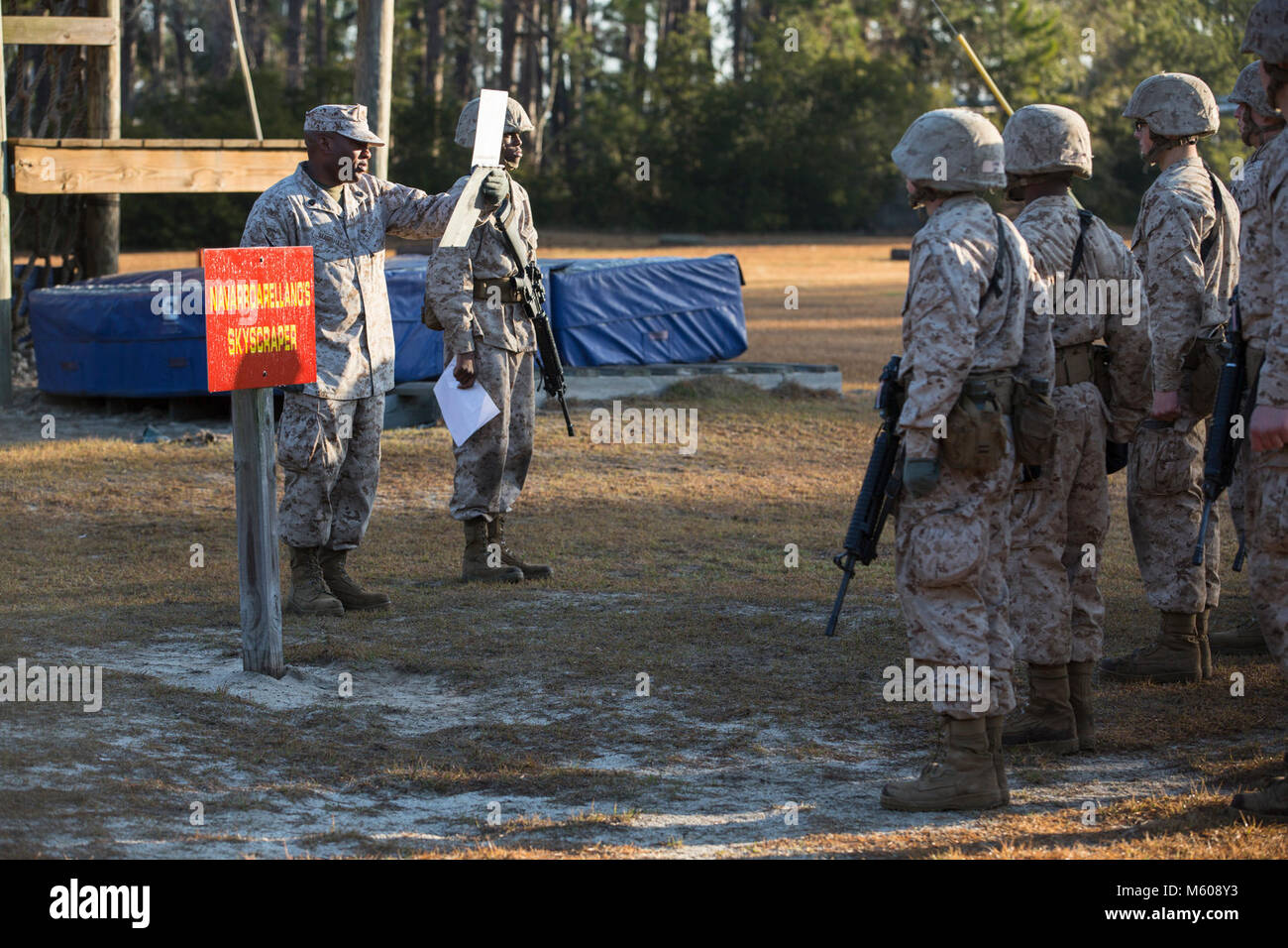 U.S. Marine Corps Gunnery Sgt. Jedadieah Marshall, a drill instructor with platoon 3009, Lima Company, 3rd Recruit - Stock Image