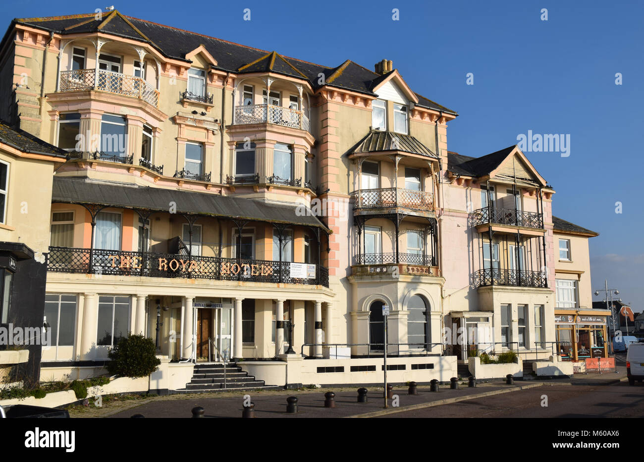 IN NEED OF TLC - THE ROYAL HOTEL, BOGNOR REGIS, A LOVELY BUILDING LET DOWN BY NEGLECT, AND LOOKING A SAD VERSION - Stock Image