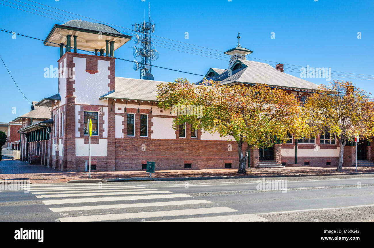 Australia, North-West New South Wales, Bourke, view of the Bourke Court House, with its characteristic corner tower, - Stock Image