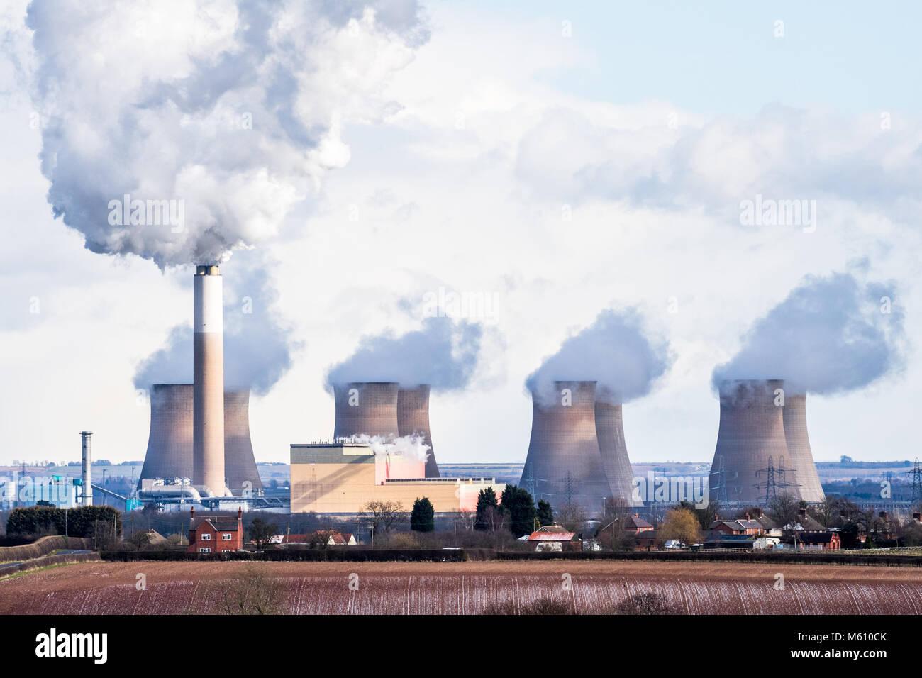 Cottam, Retford, Nottinghamshire, UK. 27th. February 2018. Cottam coal fired power station in Nottinghamshire working - Stock Image