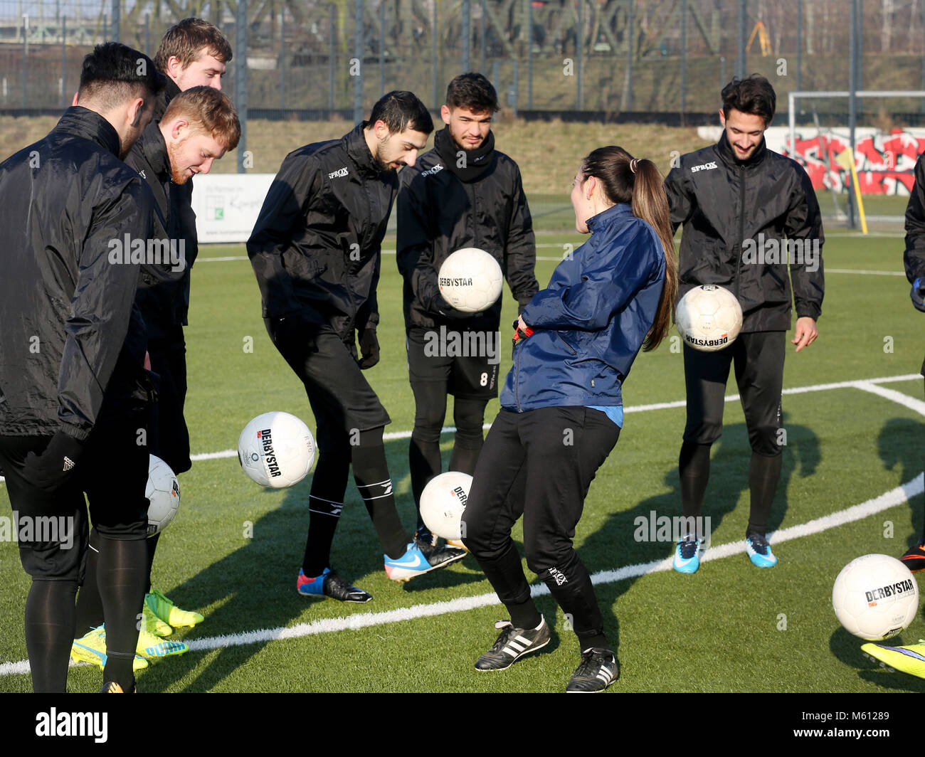 20 February 2018, Germany, Oberhausen: Duygu Erdogan (2nd R), assistant coach of soccer club Rot-Weiss Oberhausen, Stock Photo