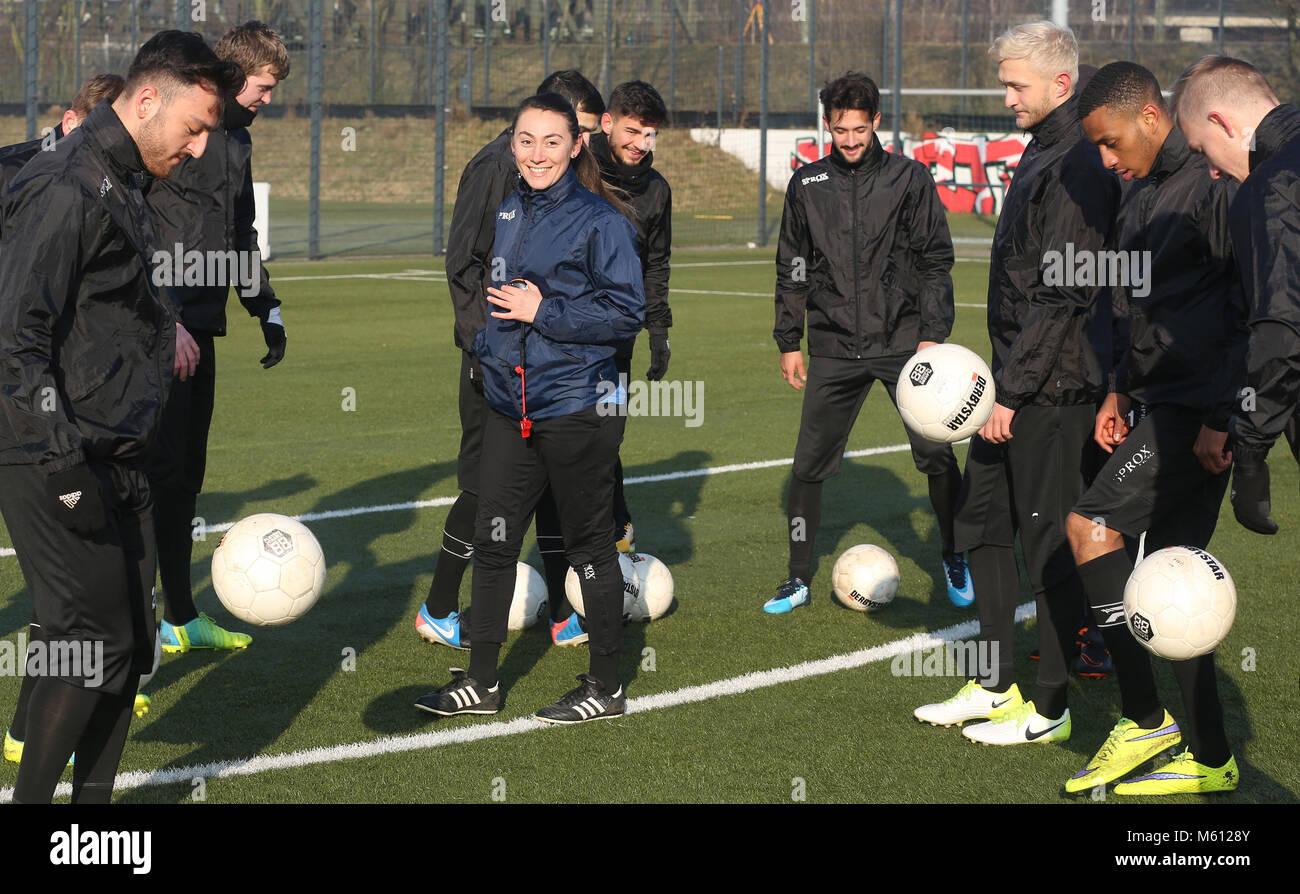 20 February 2018, Germany, Oberhausen: Duygu Erdogan (2nd L), assistant coach of soccer club Rot-Weiss Oberhausen, - Stock Image