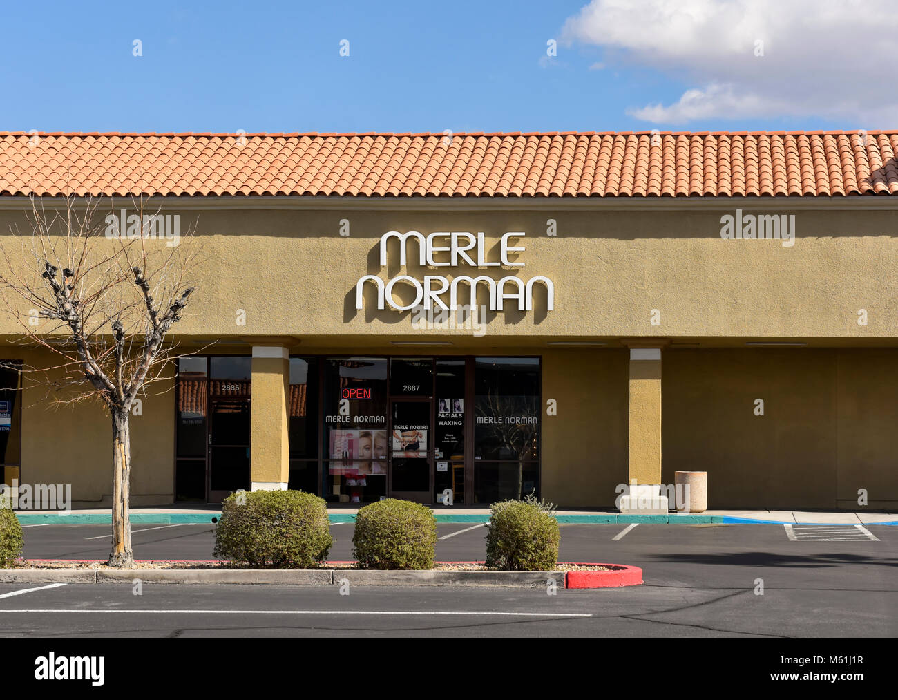 Merle Norman cosmetic store, Henderson Nevada strip mall. - Stock Image