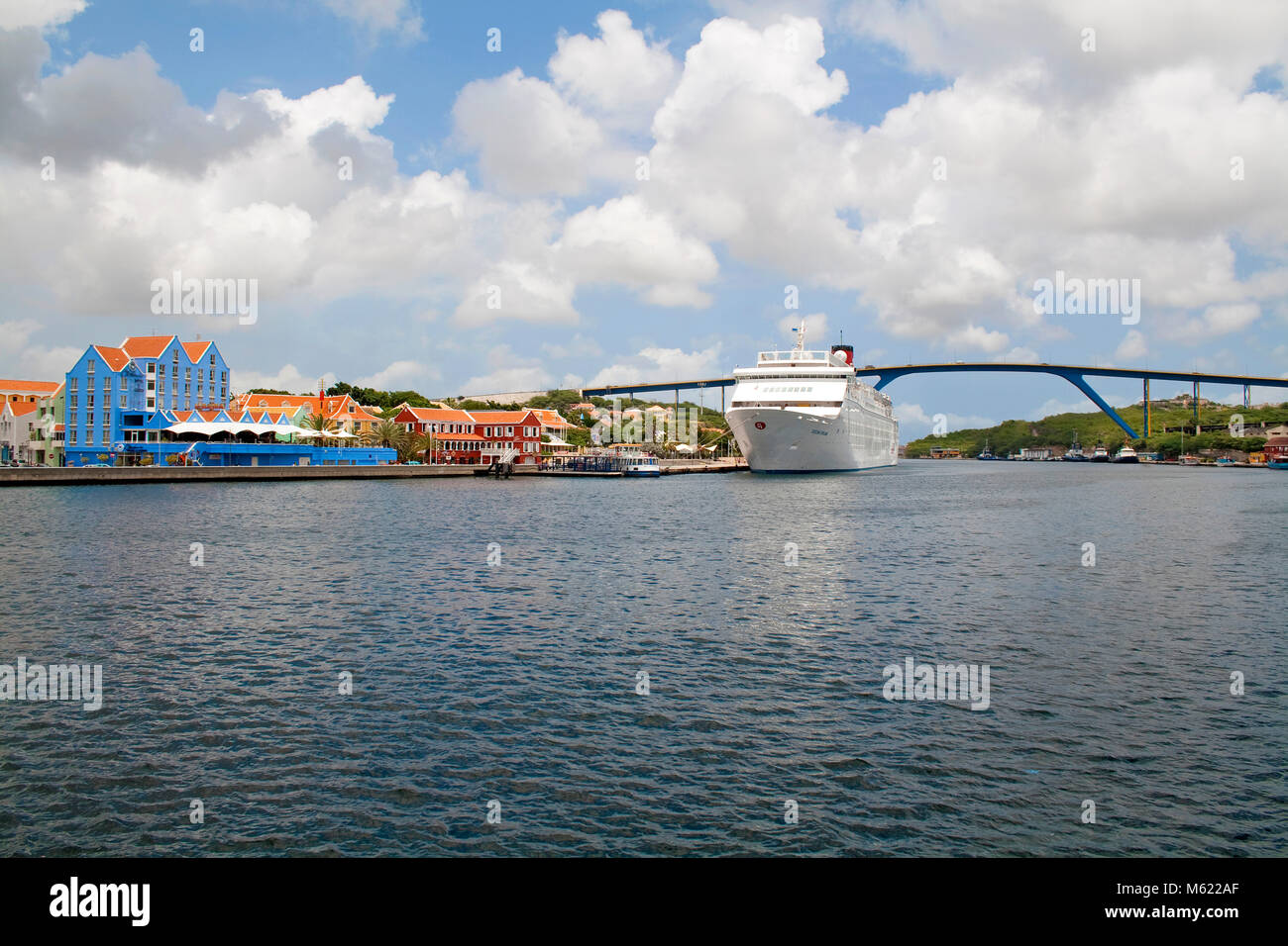 Cruise ship at Sint Anna Baai, Otrobanda district, Queen-Juliana bridge, Willemstad, Curacao, Netherlands Antilles, - Stock Image