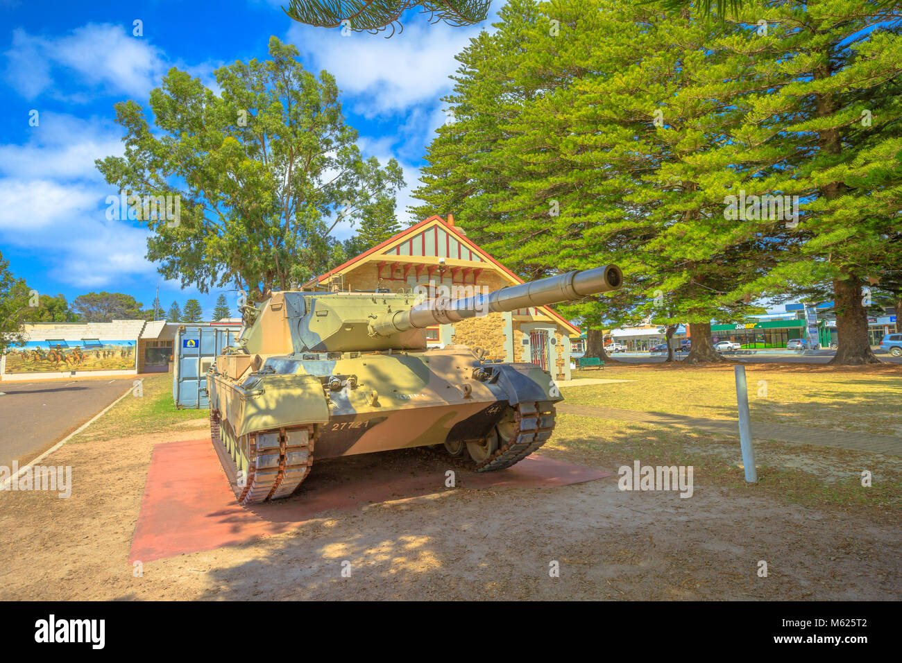 Esperance, Australia - Dec 26, 2017: Leopard Tank in foreground near War Memorial and RSL building on Dempster Street - Stock Image