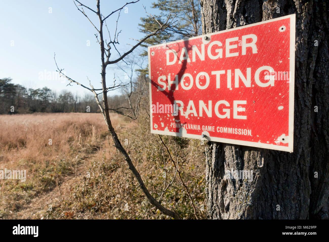 Shooting range warning sign - Pennsylvania USA - Stock Image