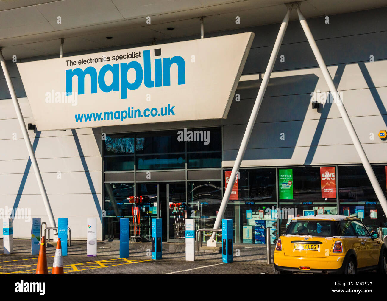 Bristol, UK. 28th February 2018. Maplin is one of the UK's largest electronics retailers had been searching - Stock Image