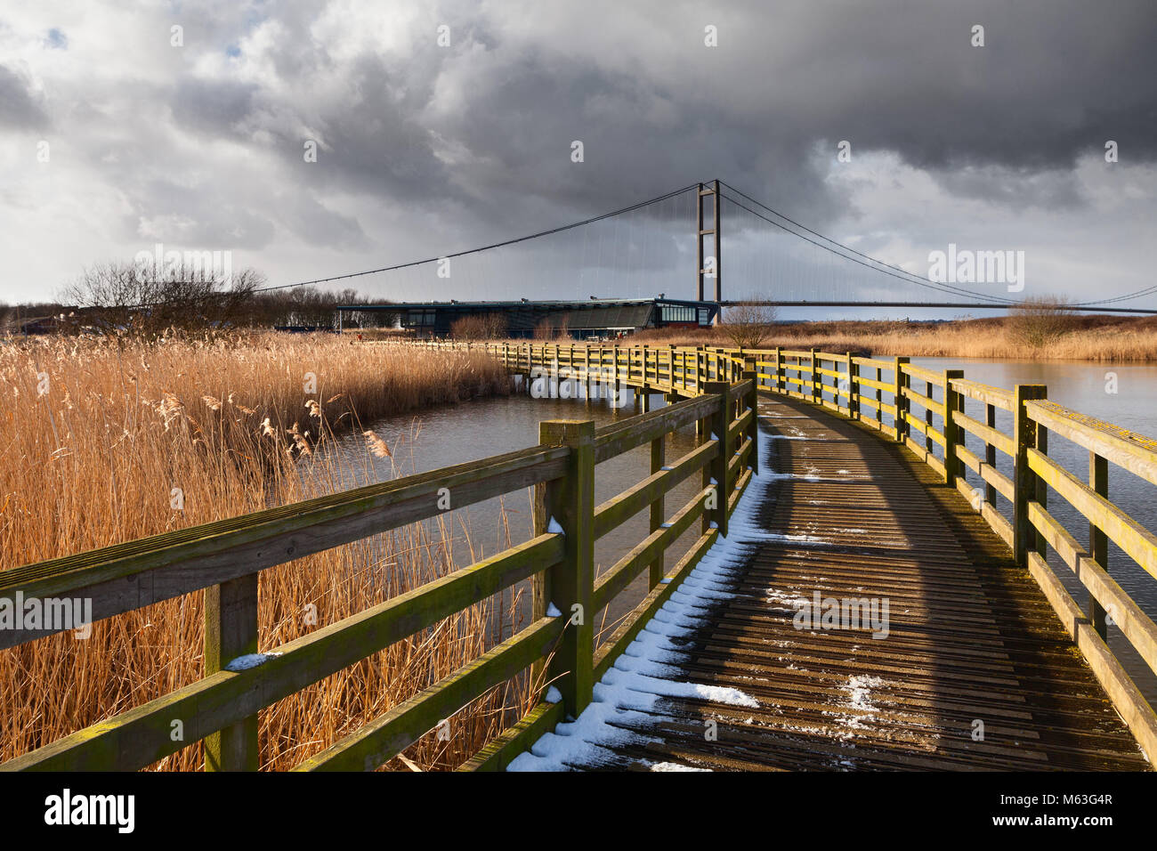 Humber, North Lincolnshire. 27th Feb, 2018. UK Weather: Snow bearing clouds over the Water's Edge Country Park - Stock Image