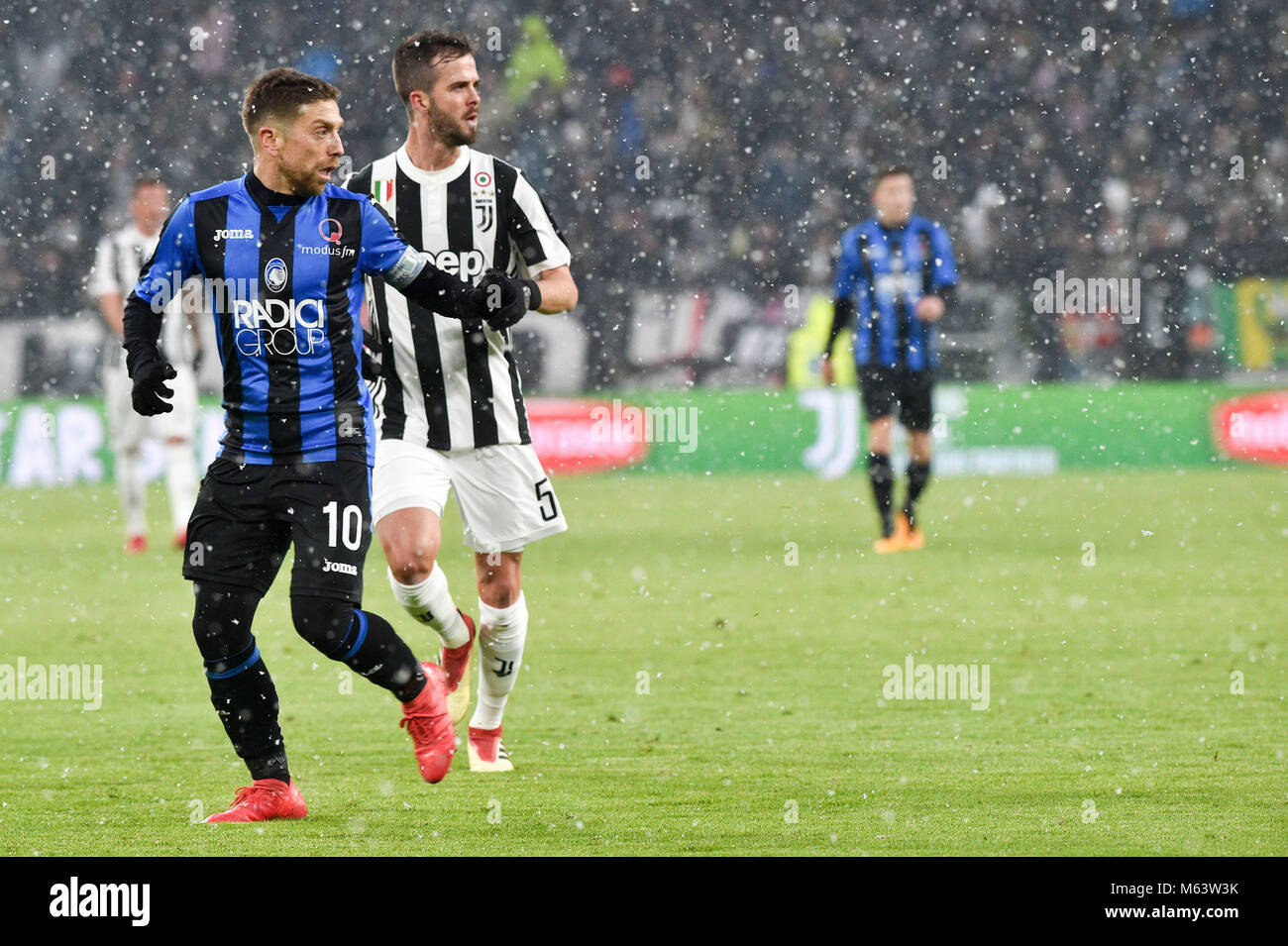 Turin Italy 28th Feb 2018 Miralem Pjanic Juventus Fc Alejandro Stock Photo Alamy