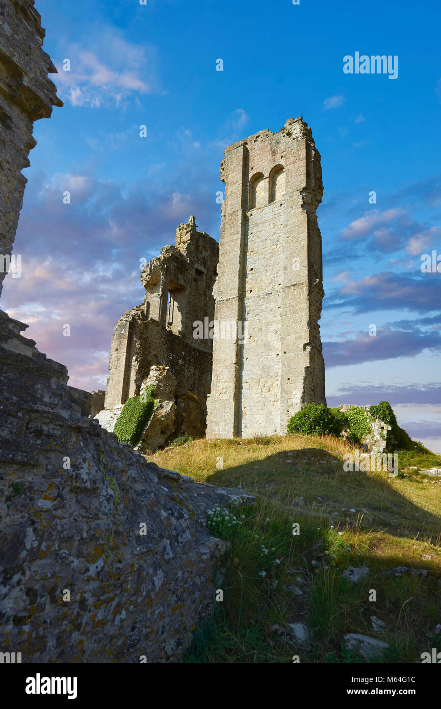 Medieval Corfe castle keep  close up  sunrise, built in 1086 by William the Conqueror, Dorset England - Stock Image