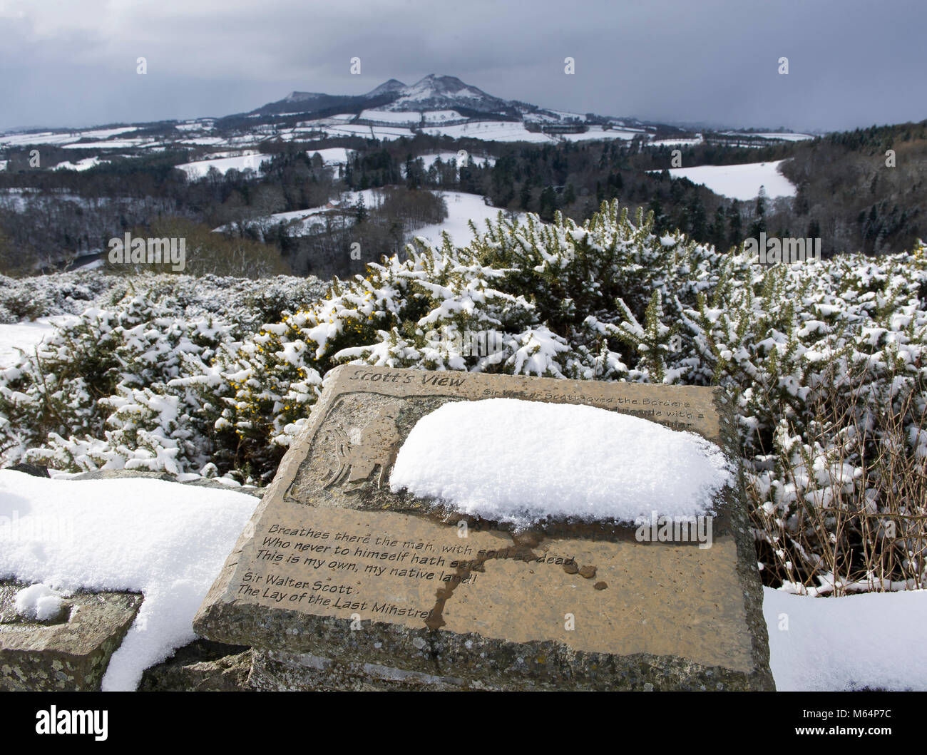 Scott's View, Bemersyde near Melrose under an blanket of snow. - Stock Image
