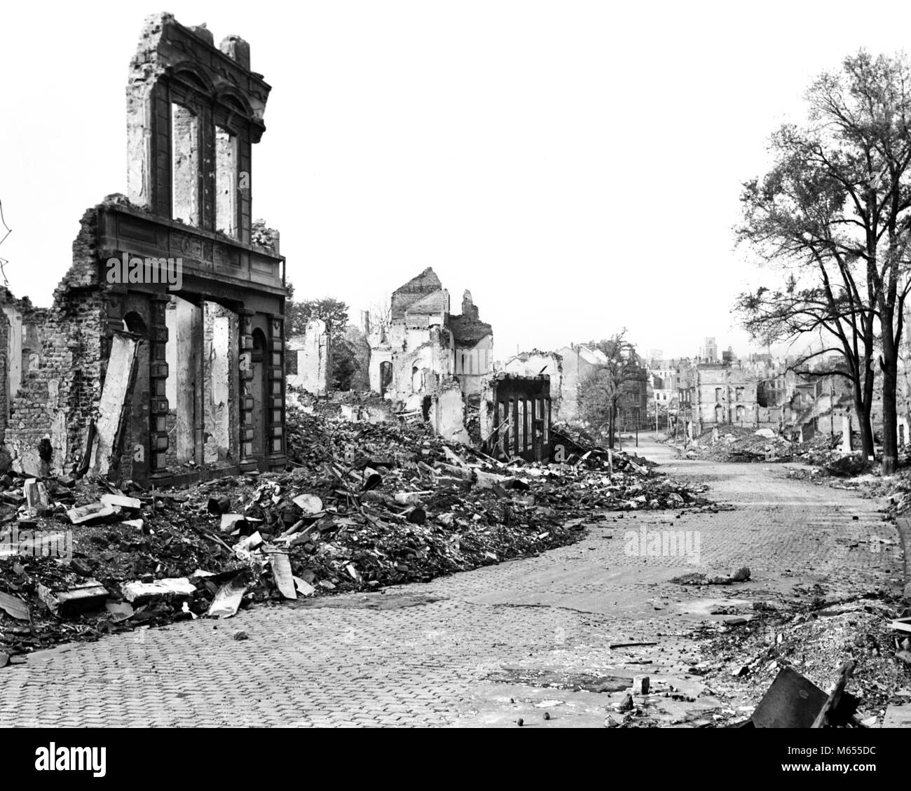 1940s RUINS OF AACHEN GERMANY DESTROYED BY ALLIED BOMBS AND WAFFEN SS AS A RESULT OF FANATIC NAZI DEFENSE - a3767 - Stock Image