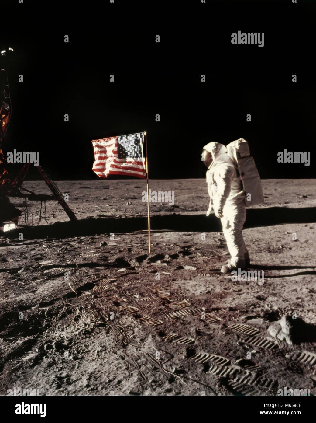 APOLLO 11 PLANTING UNITED STATES FLAG ON MOON - ka2051 NAS001 HARS SAFETY TEAMWORK APOLLO DREAM JOY LIFESTYLE HISTORY - Stock Image