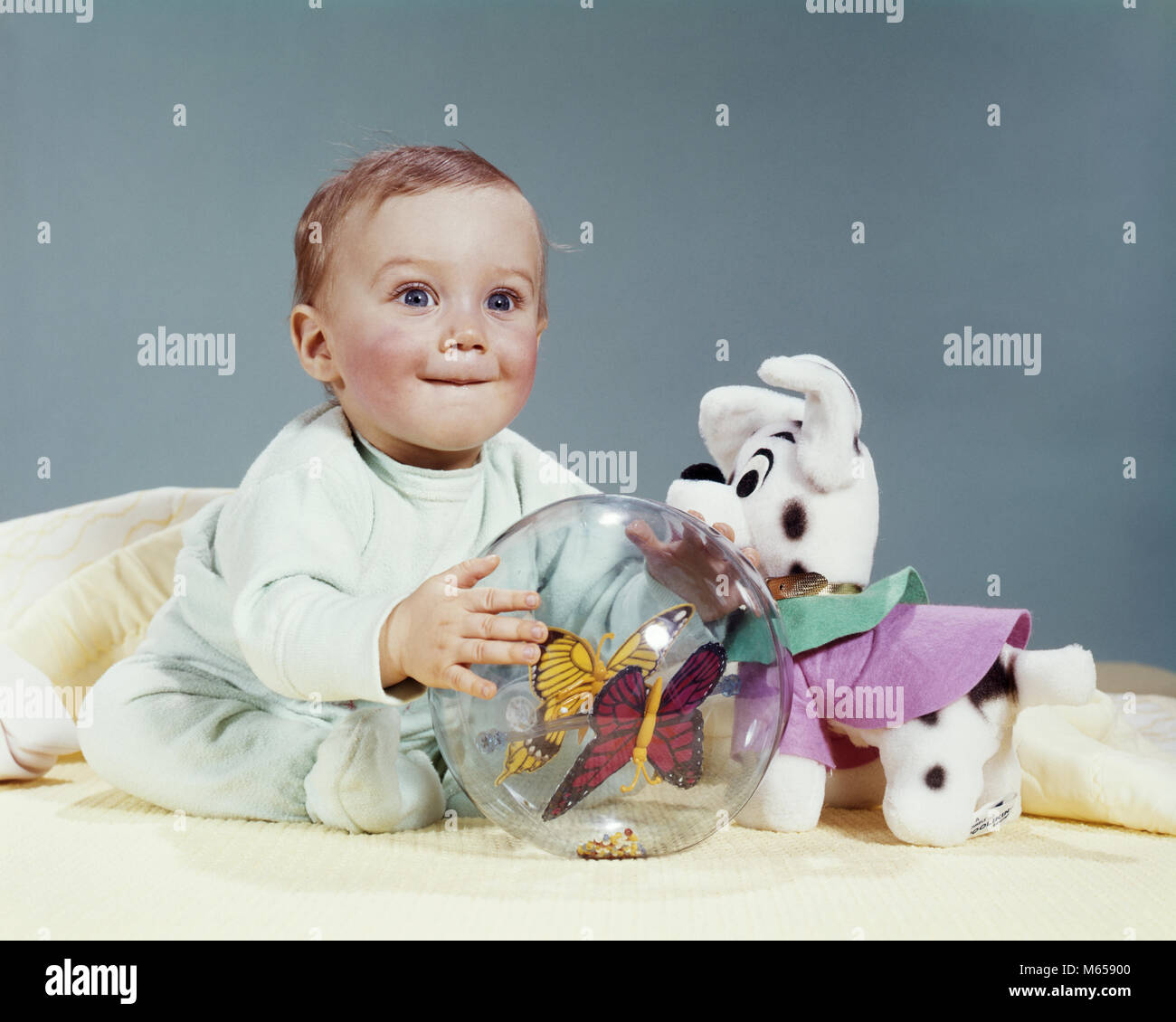 Kids Stock A Wide Selection Of Luxury Premium Cotton: Children Playing 1960s Stock Photos & Children Playing