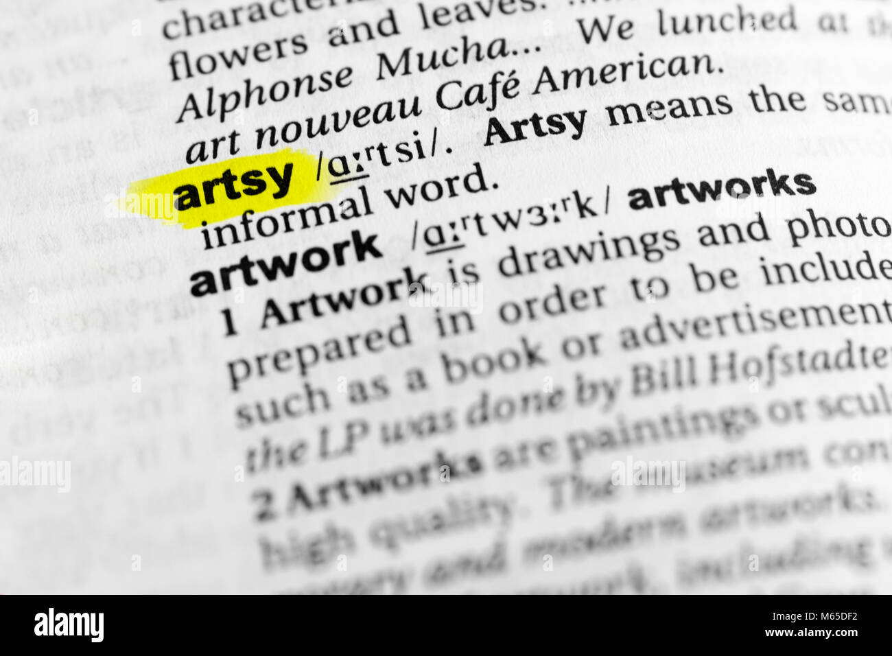 Highlighted English word 'artsy' and its definition in the dictionary. - Stock Image