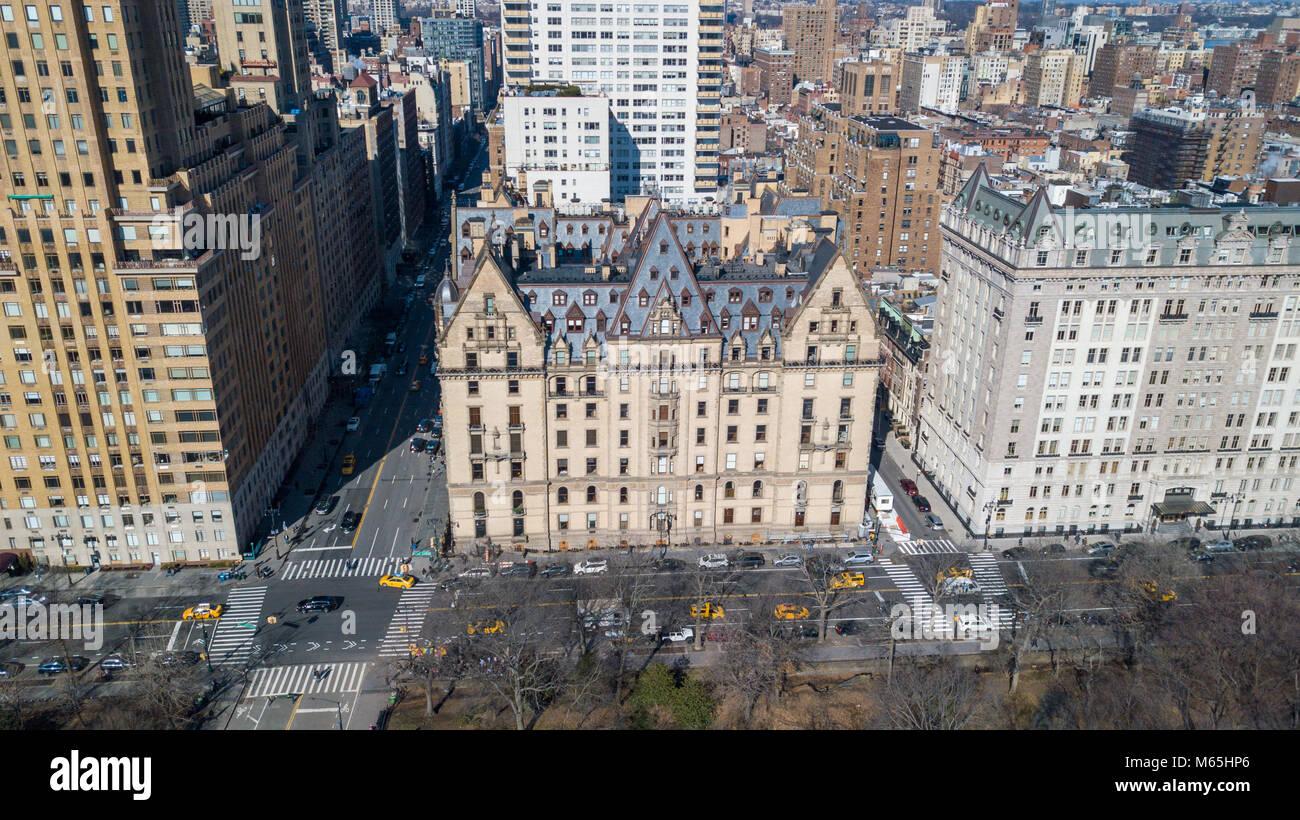 The Dakota, 1 W 72nd St, Upper West Side, Manhattan, New York, NY 10023 Stock Photo