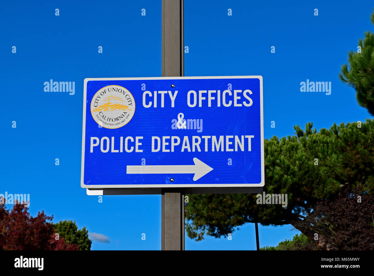 Union City, City offices police department direction arrow