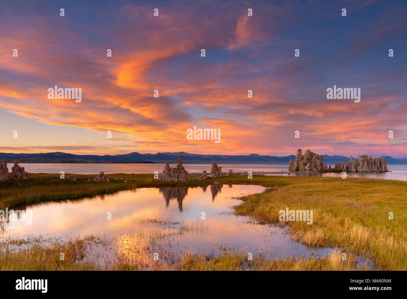 Sunset, Tufa, Mono Lake, Mono Basin National Forest Scenic Area, Inyo National Forest, California - Stock Image