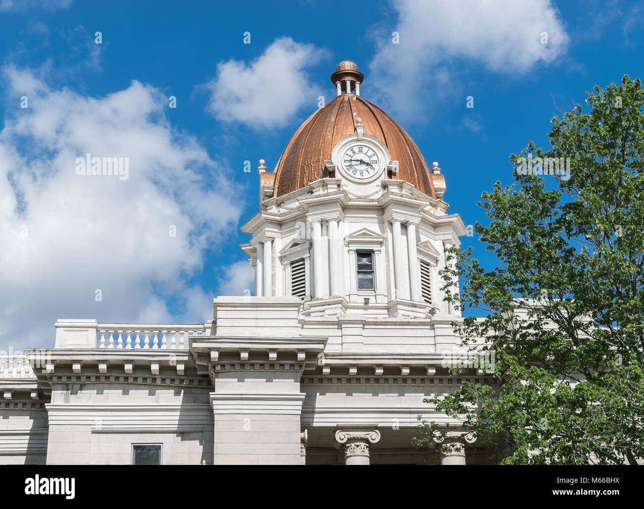 The Lee County, Mississippi Courthouse. - Stock Image