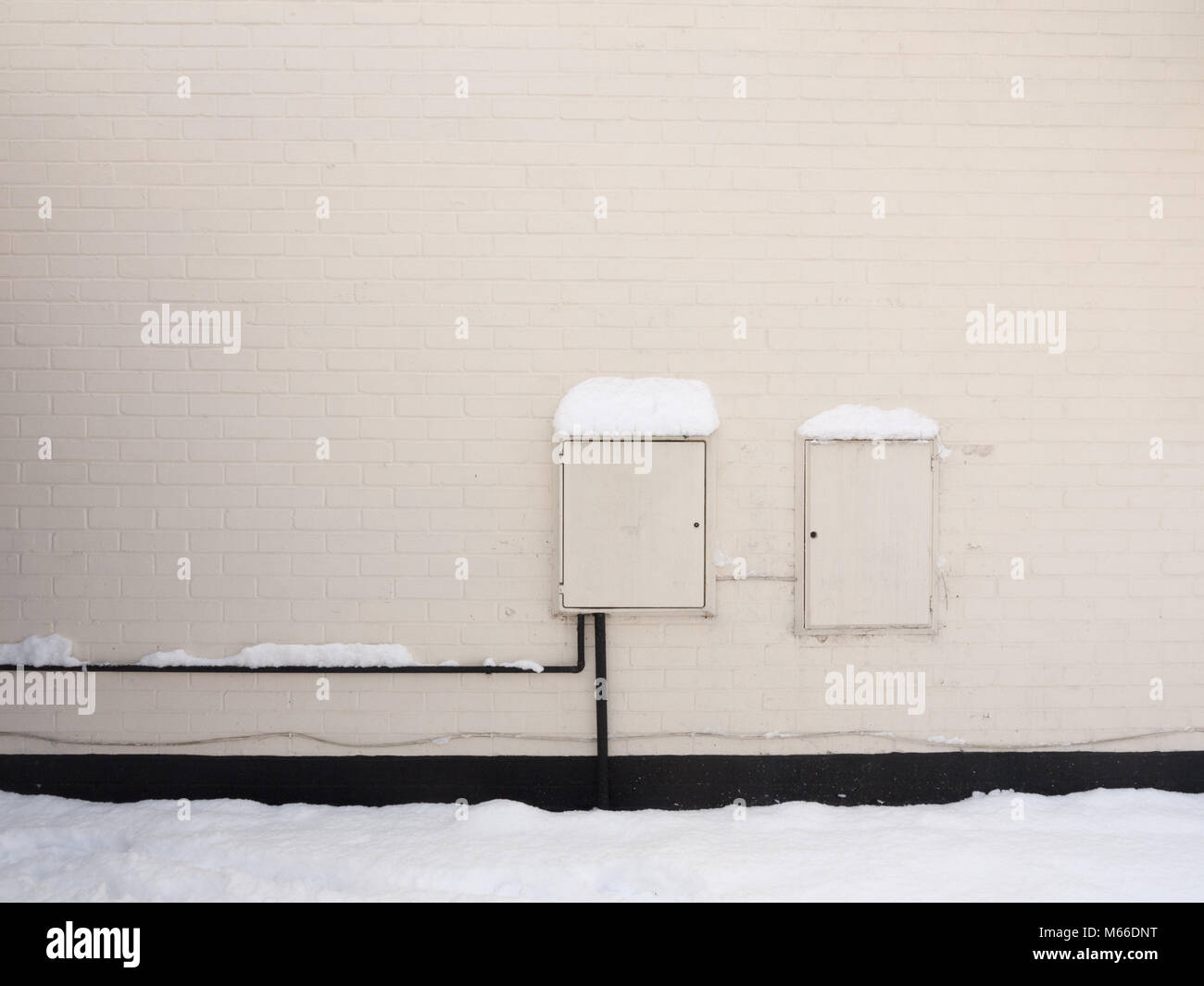 Fuse Box Outside A House Free Download Wiring Diagrams 100 Amp Photos Stock Images Alamy Of With Electrical And Gas White Points Uk Power Energy Meter Essex At
