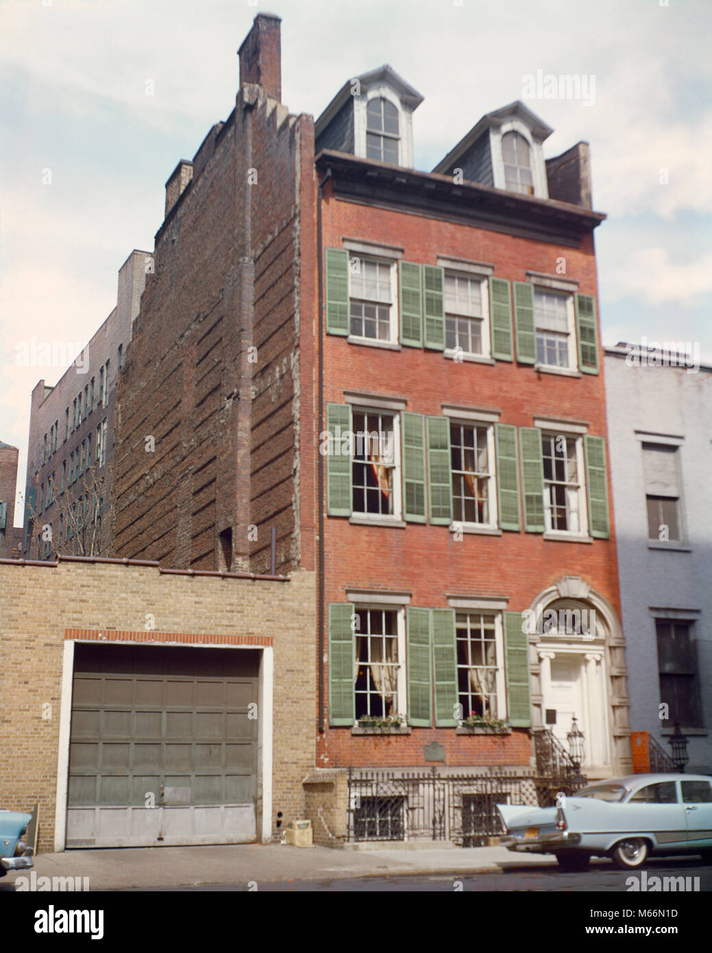 1960s 19TH CENTURY 1832 FAMILY HOME PRESERVED INTACT MERCHANT'S HOUSE MUSEUM DOWNTOWN MANHATTAN NYC USA - kr132232 - Stock Image