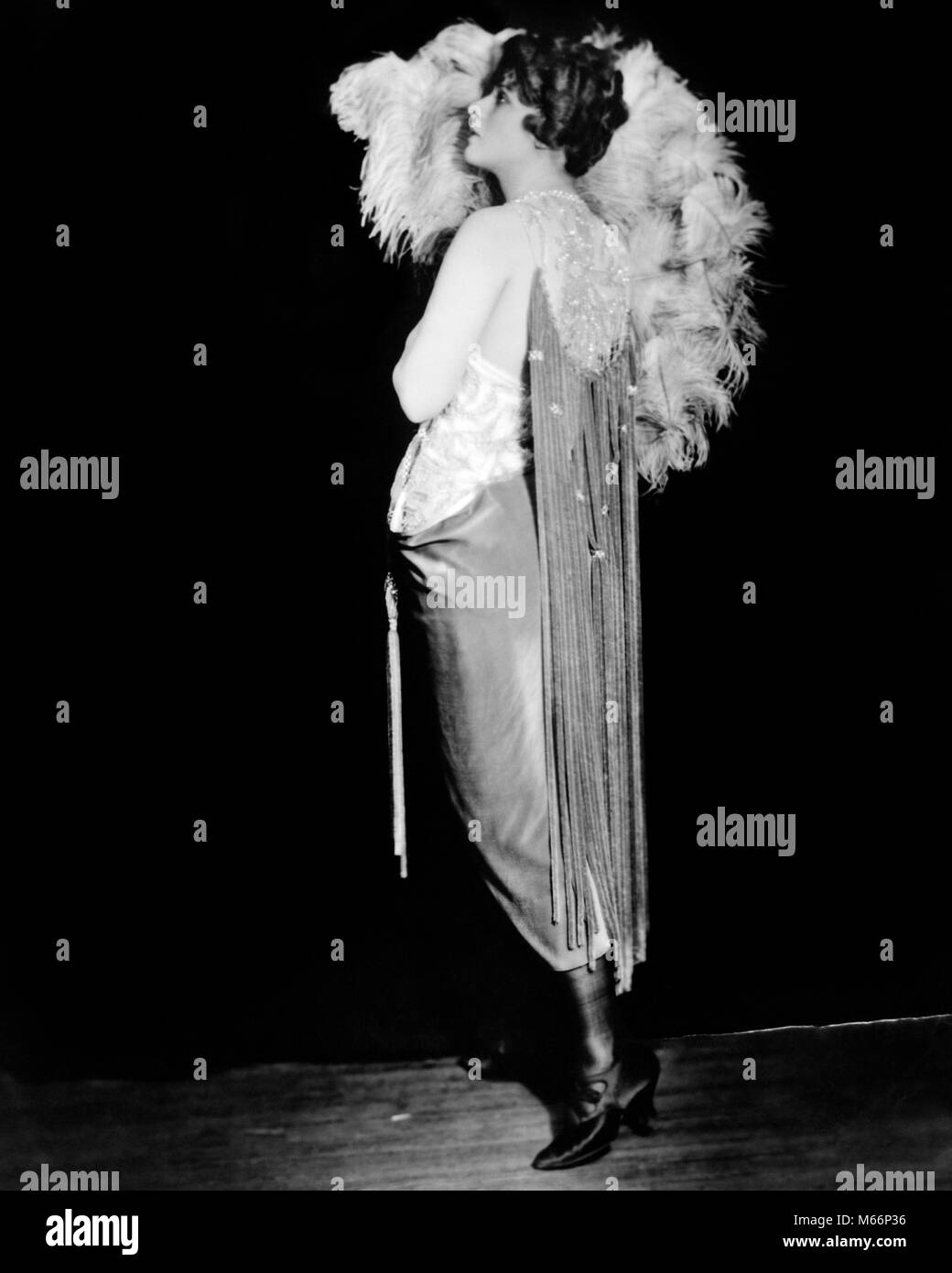 1920s MARGARET IRVING OF 1920 ZIEGFELD FOLLIES WOMAN PROFILE EVENING