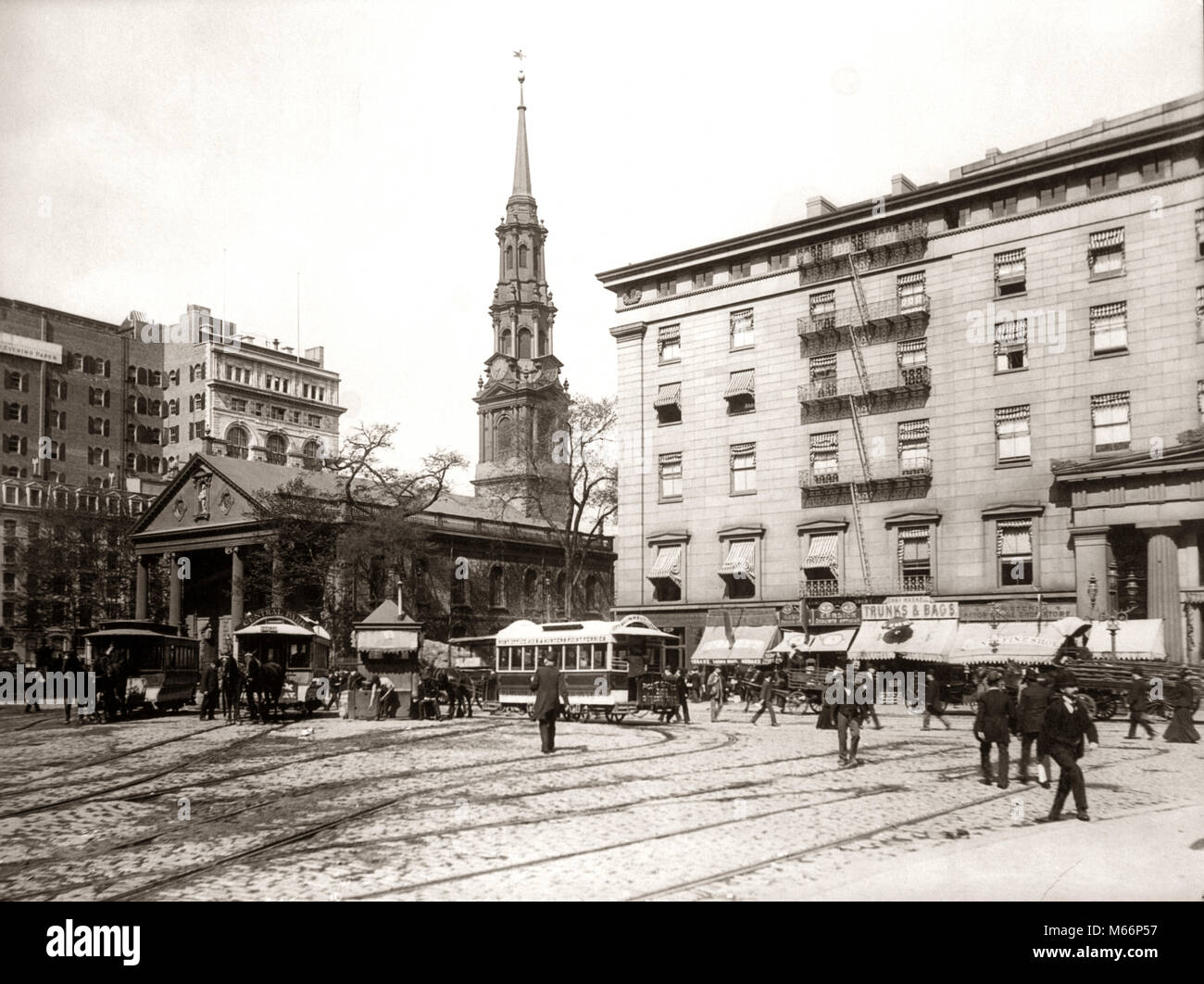 1800s 1890s 1900s NYC HORSE DRAWN STREET CAR TROLLEYS AT SAINT PAUL'S CHAPEL BUILT IN 1766 NEW YORK CITY USA - q41010 Stock Photo
