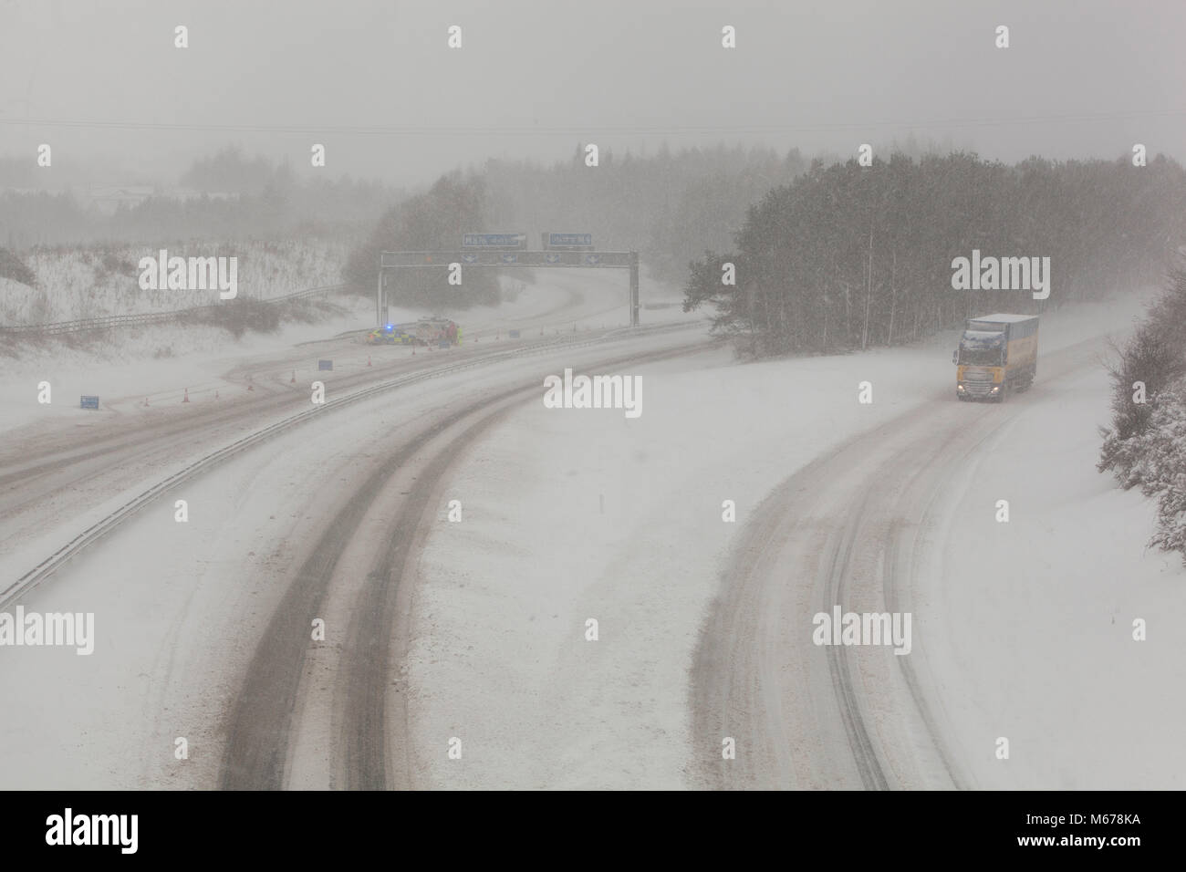 M9, Larbert area, Central Scotland.  1st March 2018 Driving conditions are tricky early morning due to poor visibility - Stock Image