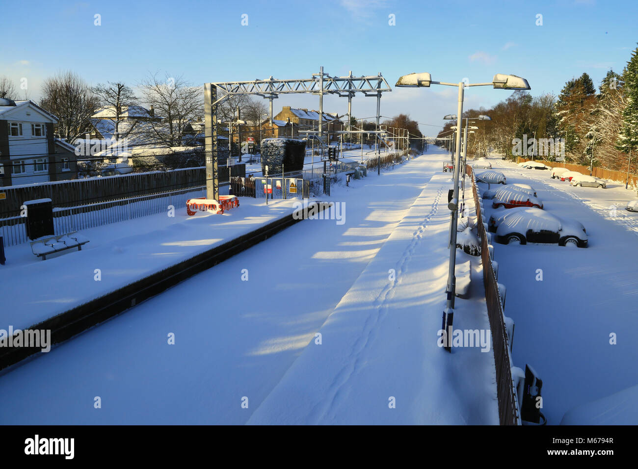 Glasgow, UK. 1st Mar, 2018. UK Weather: Glasgow, UK. 1st Mar, 2018. UK Weather: Winter at Lenzie Station on the - Stock Image