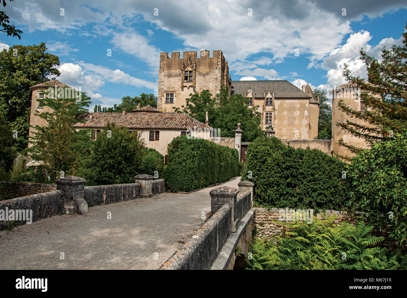 Panoramic view of Allemagne-en-Provence Castle and bridge, near the village of the same name. Located in the Provence - Stock Image