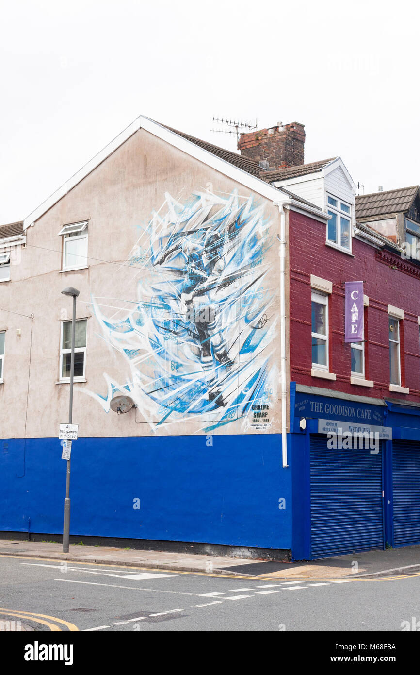 A mural of Everton player and legend Graeme Sharp, painted on the side of residential building. Goodison Road, Liverpool, Stock Photo