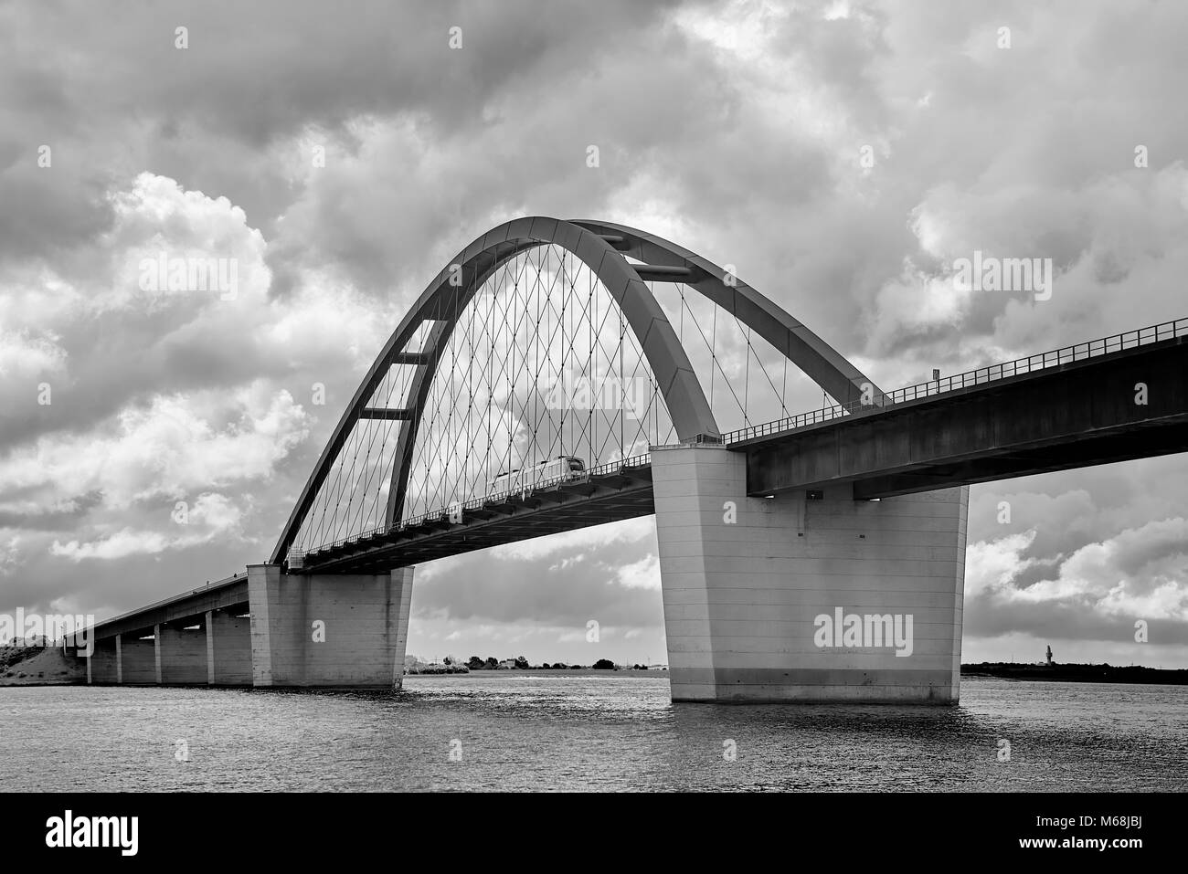 fehmarnsundbrücke in schwarz weiss - Stock Image