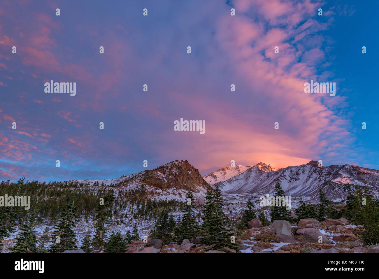 Sunrise, Panther Meadow, Mount Shasta, Shasta-Trinity National Forest, California - Stock Image