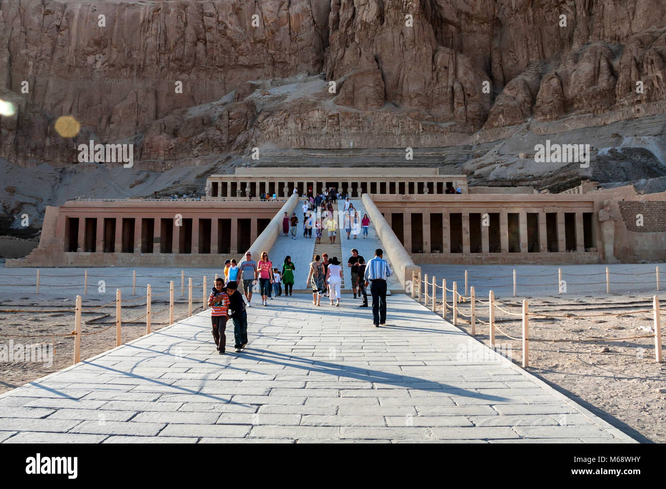 LUXOR, EGYPT - FEBRUARY 17, 2010: Mortuary Temple of Hatshepsut in Egypt - Stock Image