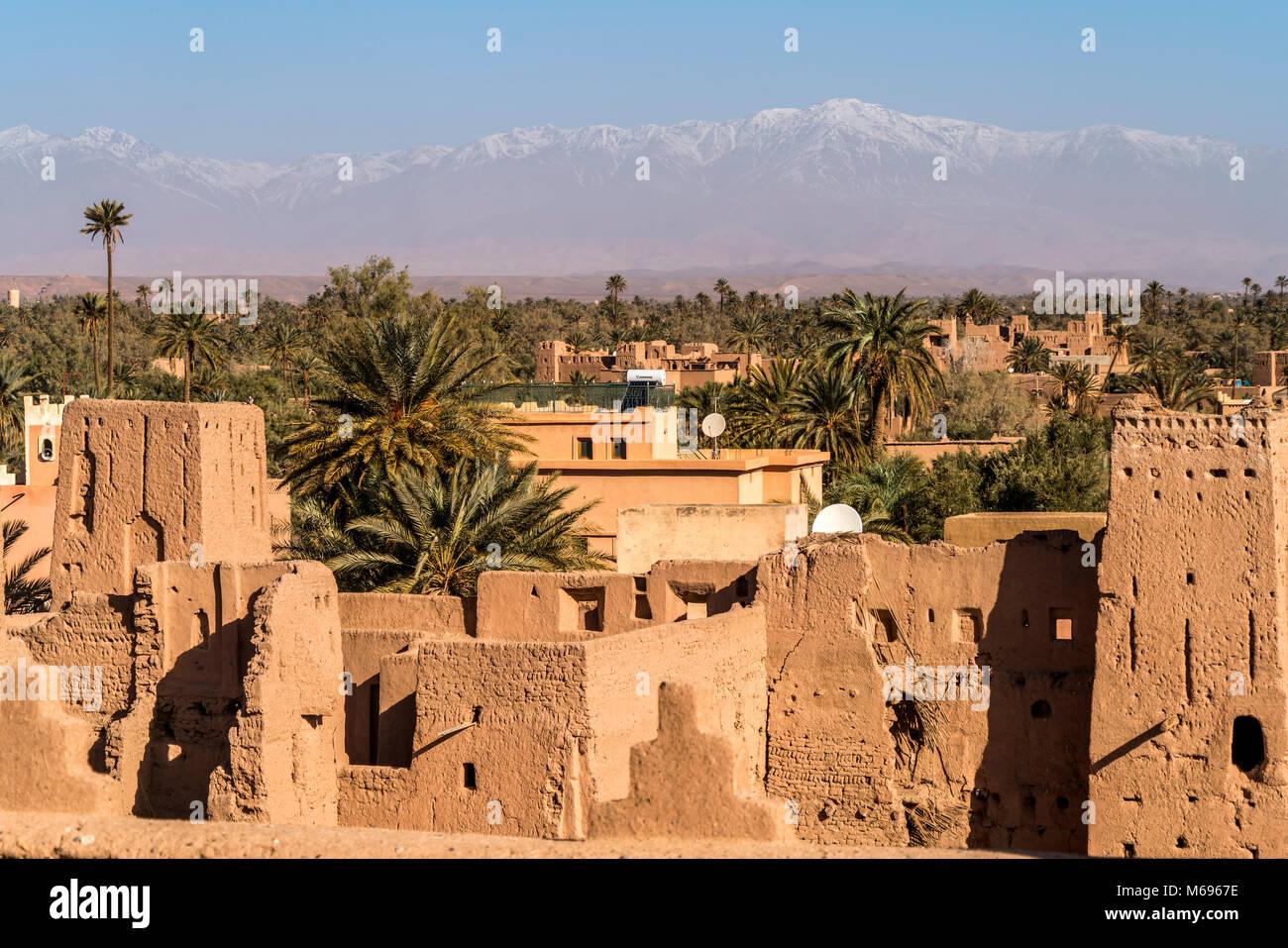 Kasbah Amerhidil oder Imridil und die Palmen-Oase Skoura, Ouarzazate, Königreich Marokko, Afrika     Kasbah - Stock Image