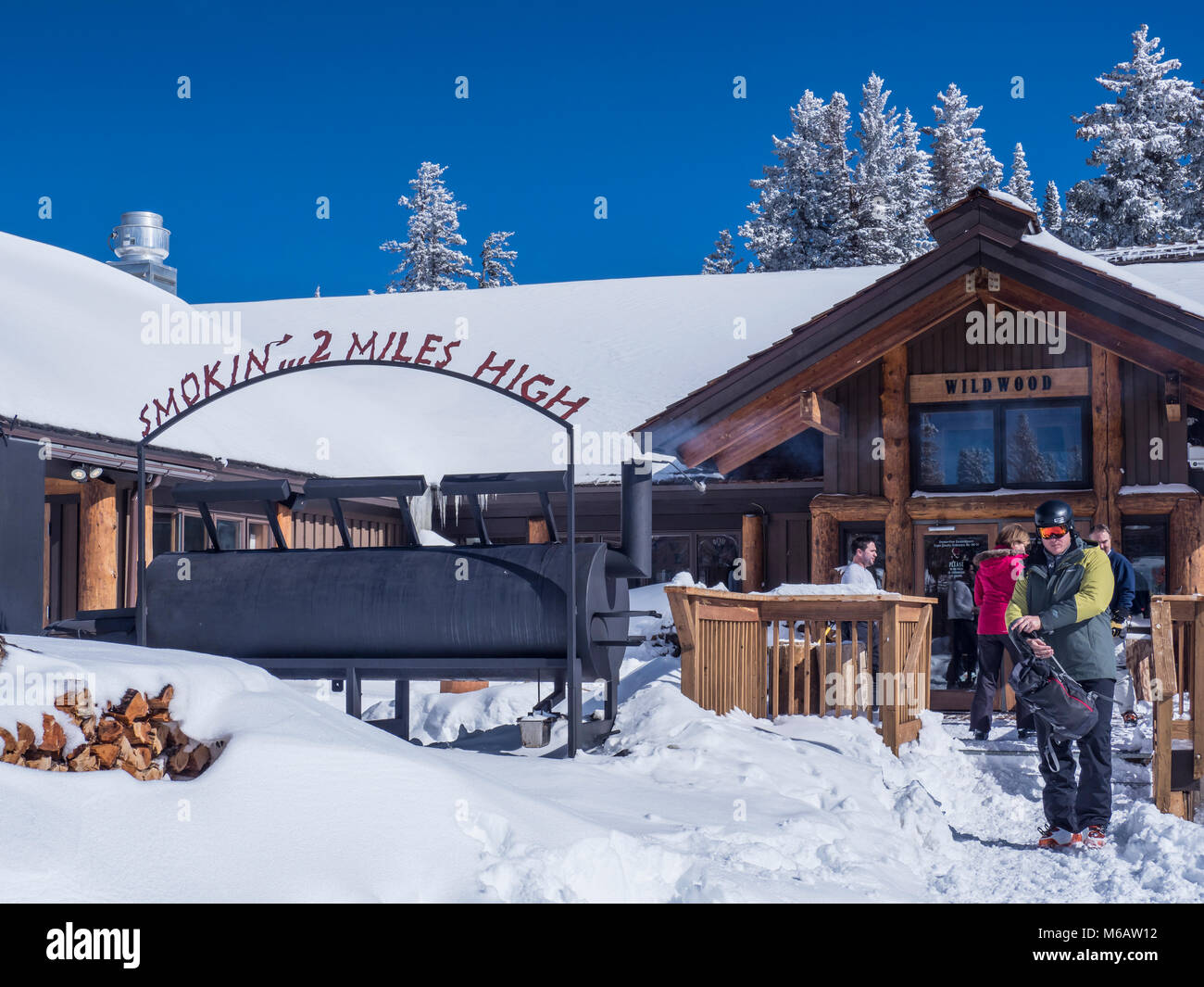 Wildwood day lodge and barbecue restaurant, winter, Vail Ski Resort, Vail, Colorado. - Stock Image