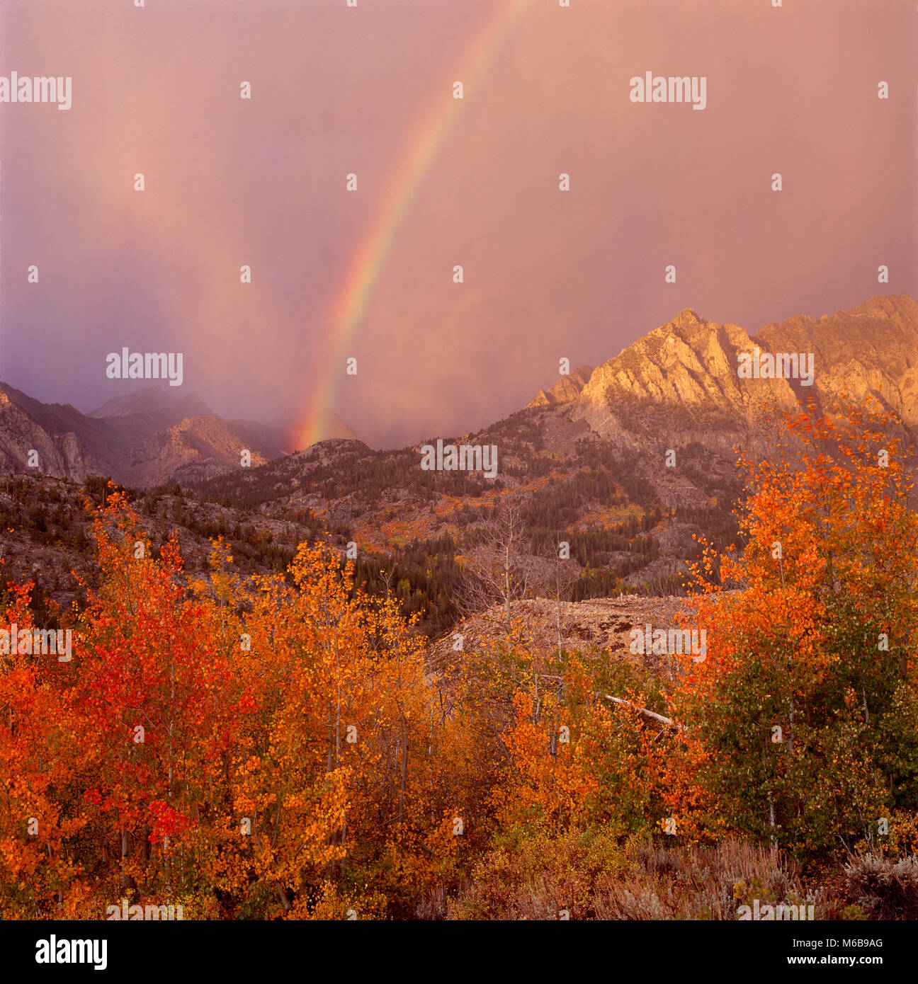 Rainbow, Piute Crags, Muir Wilderness, Inyo National Forest, Eastern Sierra CCalifornia - Stock Image