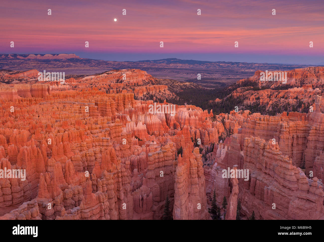 Moonrise over Bryce Canyon National Park, Utah - Stock Image