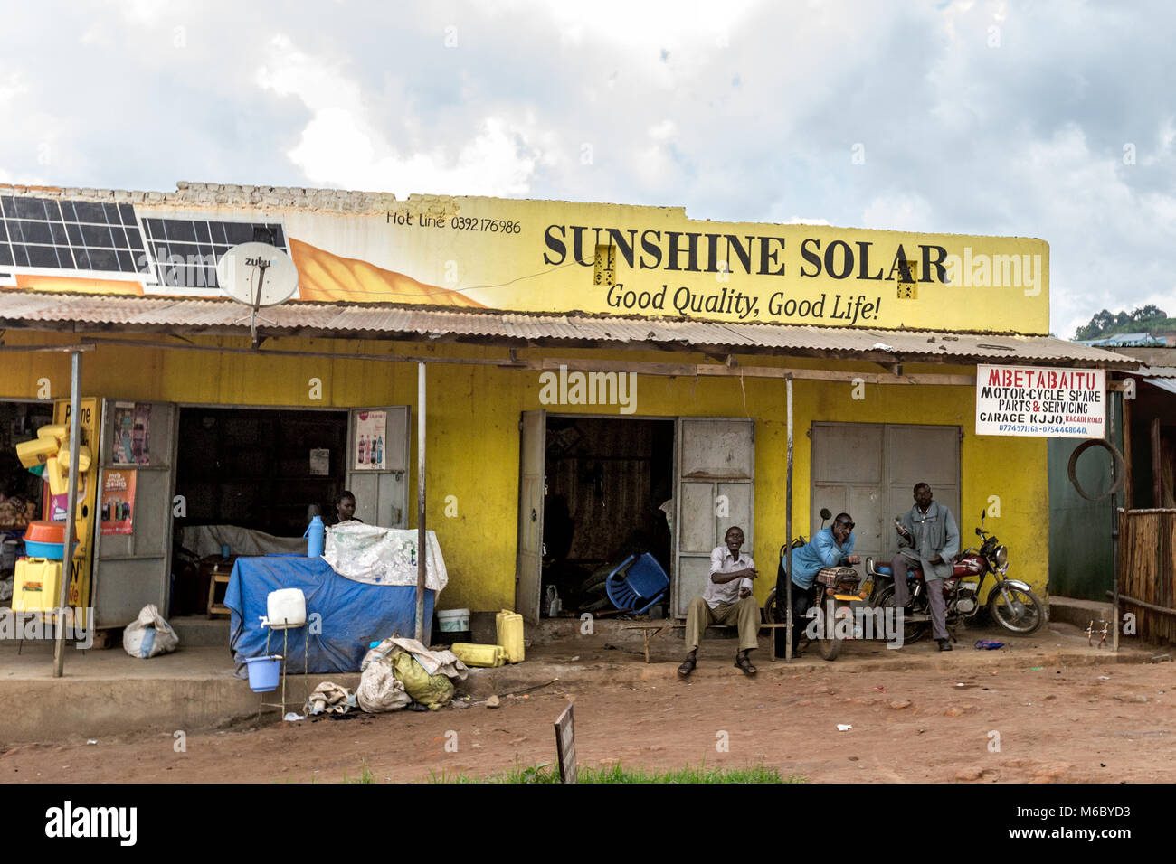 Solar power Kyenjojo village, Village en route from Murchisons falls National Park to Kimbale National Park south - Stock Image