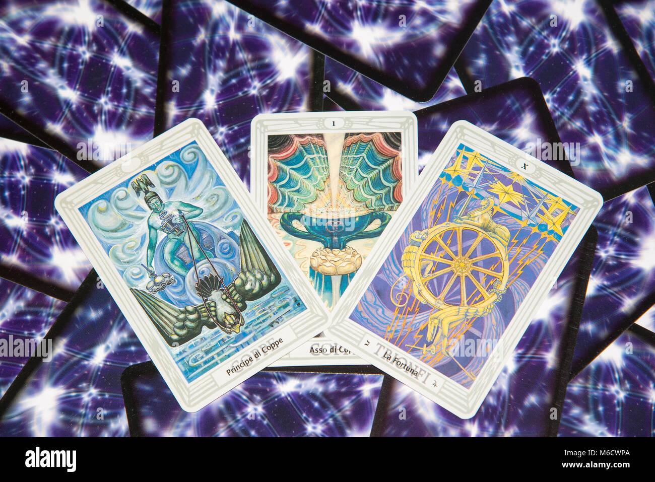 Thoth Tarot Stock Photos & Thoth Tarot Stock Images - Alamy