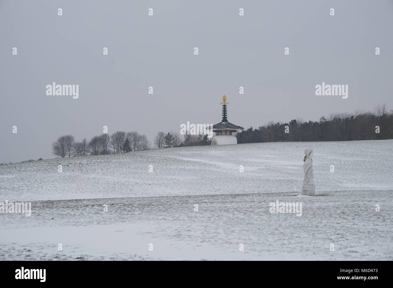 Great Linford, Milton Keynes, UK. 2nd March, 2018. Snow at The Peace Pagoda, Willen, Milton Keynes, 2nd of March - Stock Image