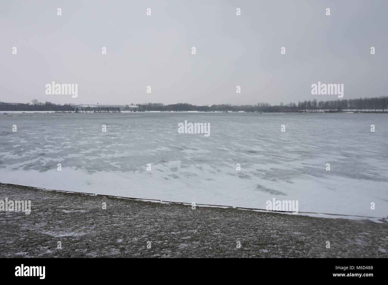 Great Linford, Milton Keynes, UK. 2nd March, 2018. Ice covered Willen Lake, Milton Keynes, 2nd of March 2018. Credit: - Stock Image