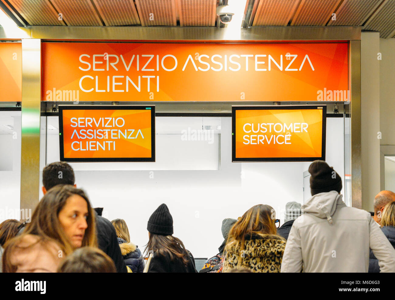Milan, Italy. 2nd March, 2018. Milan Malpensa Airport - Mar 2nd, 2018: Long queues at the budget airliner, EasyJet, - Stock Image