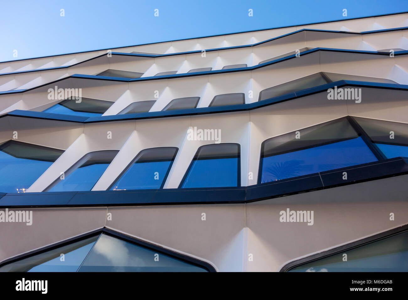 30 Cannon Street, 1970s modern office building by Whinney, Son & Austen Hall, City of London, UK - Stock Image