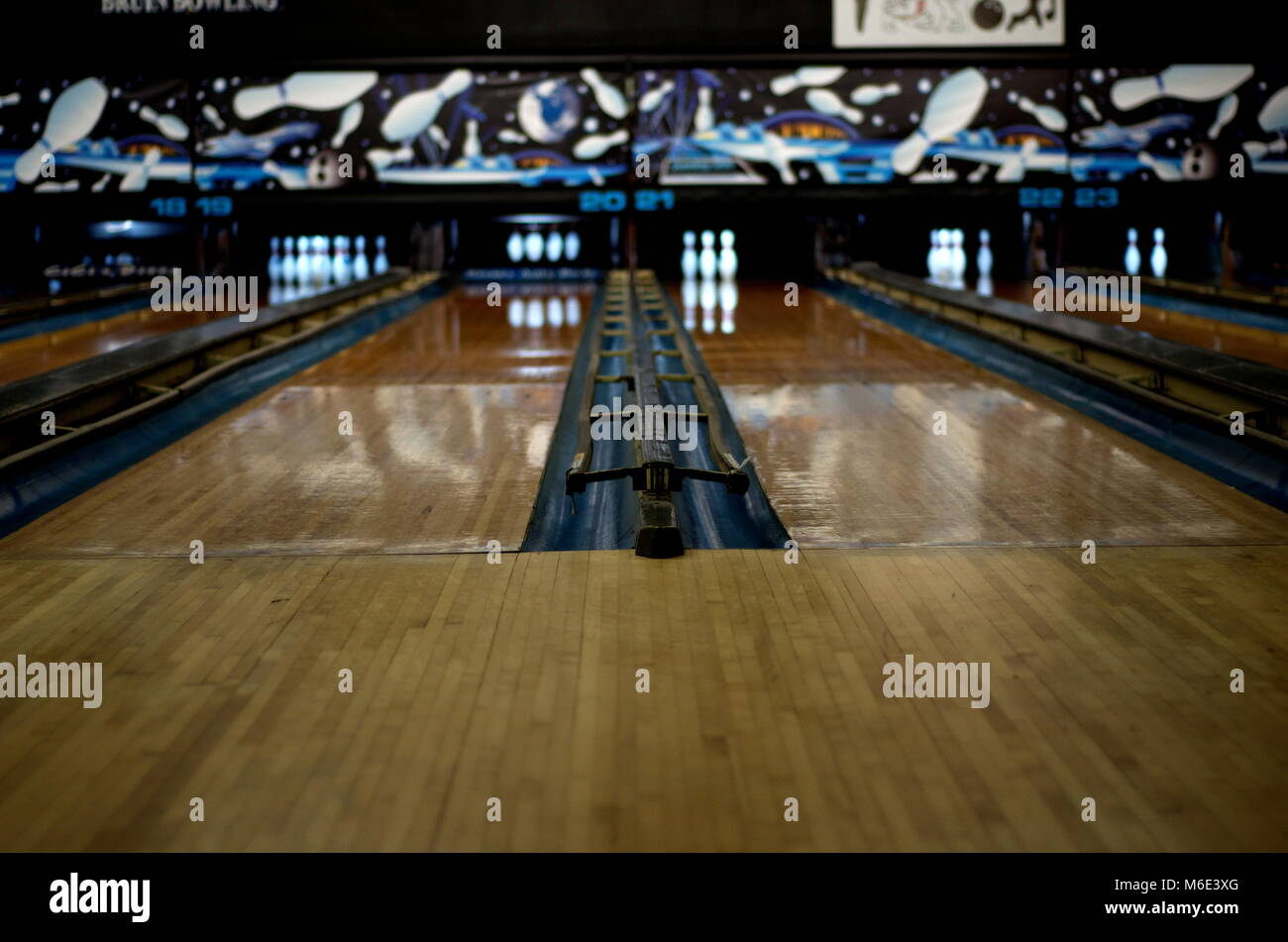 Bowling Pins Stock Photos & Bowling Pins Stock Images - Alamy