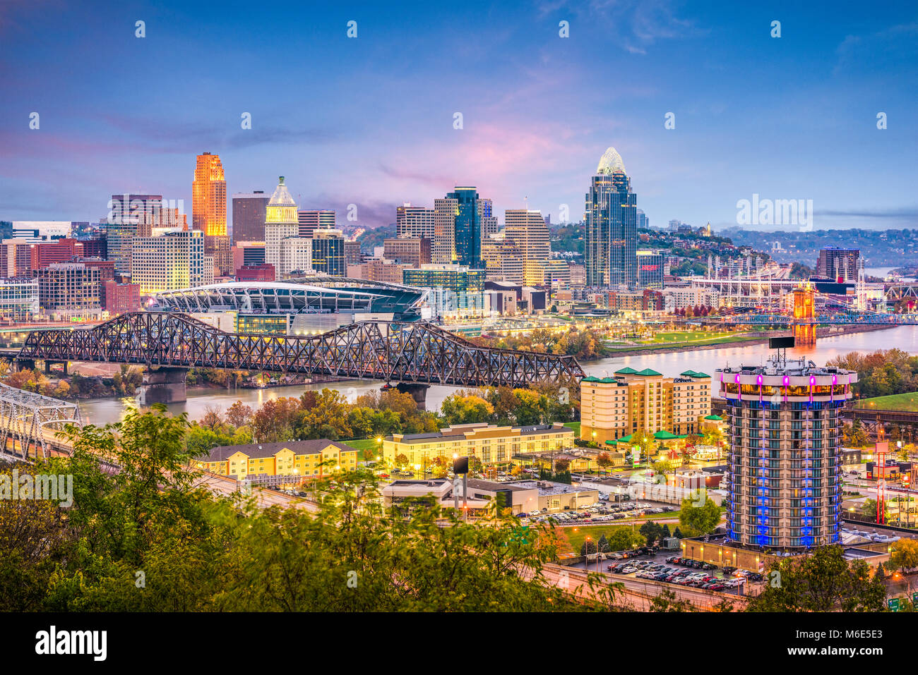 Cincinnati, Ohio, USA skyline at dusk. - Stock Image
