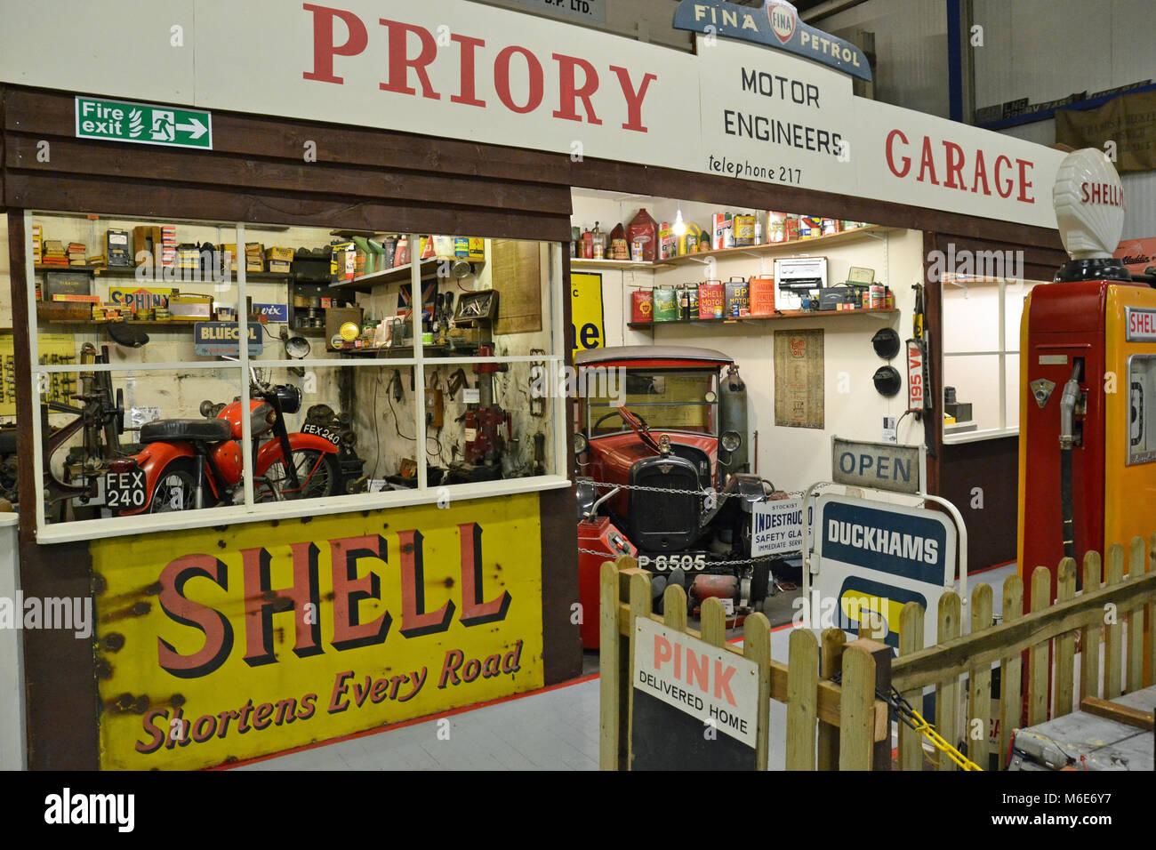 Motor vehicle workshop at Ipswich Transport Museum, Suffolk, England - Stock Image