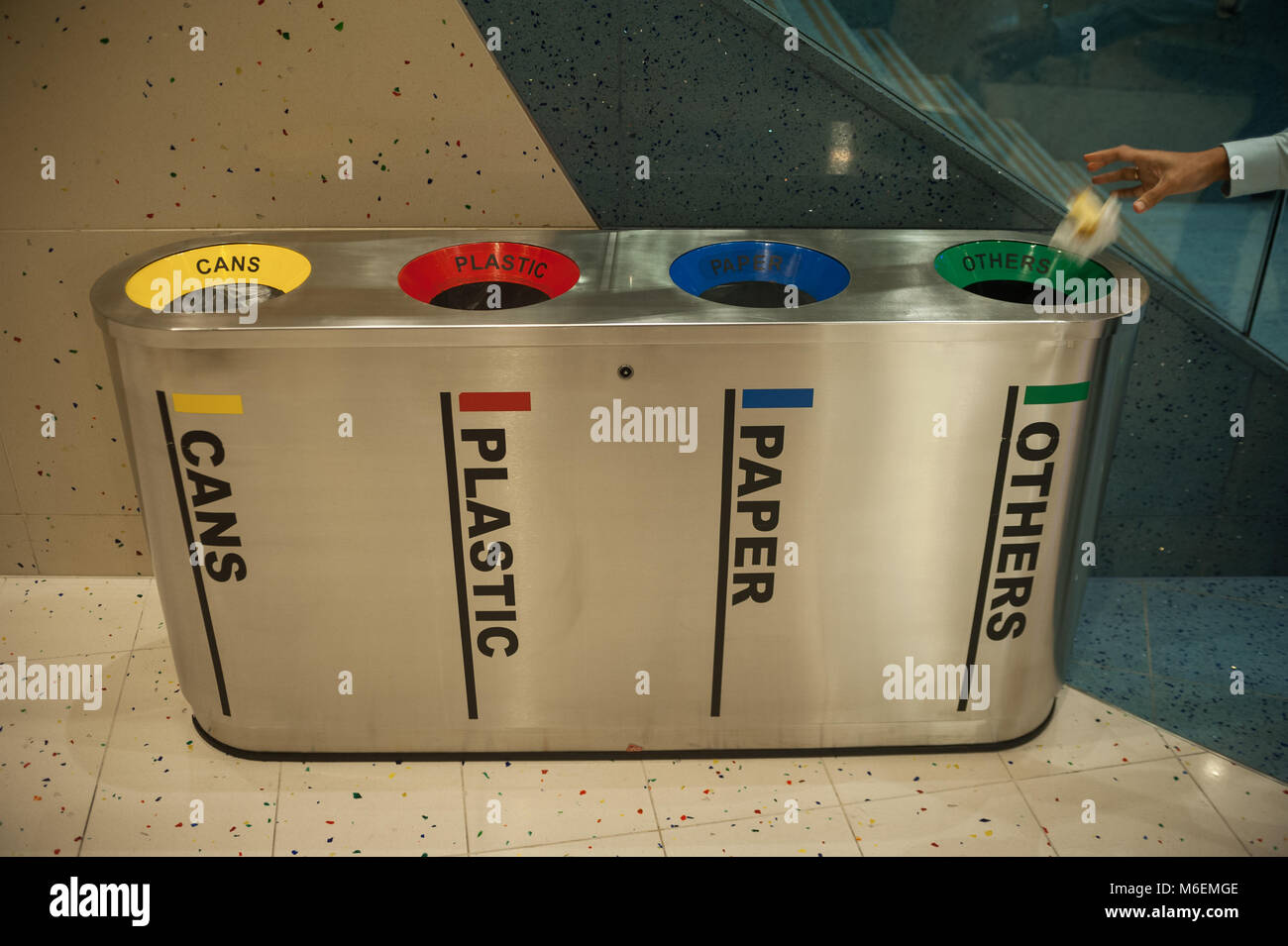21.12.2017, Singapore, Republic of Singapore, Asia - Rubbish bins for waste separation and recycling are seen at - Stock Image