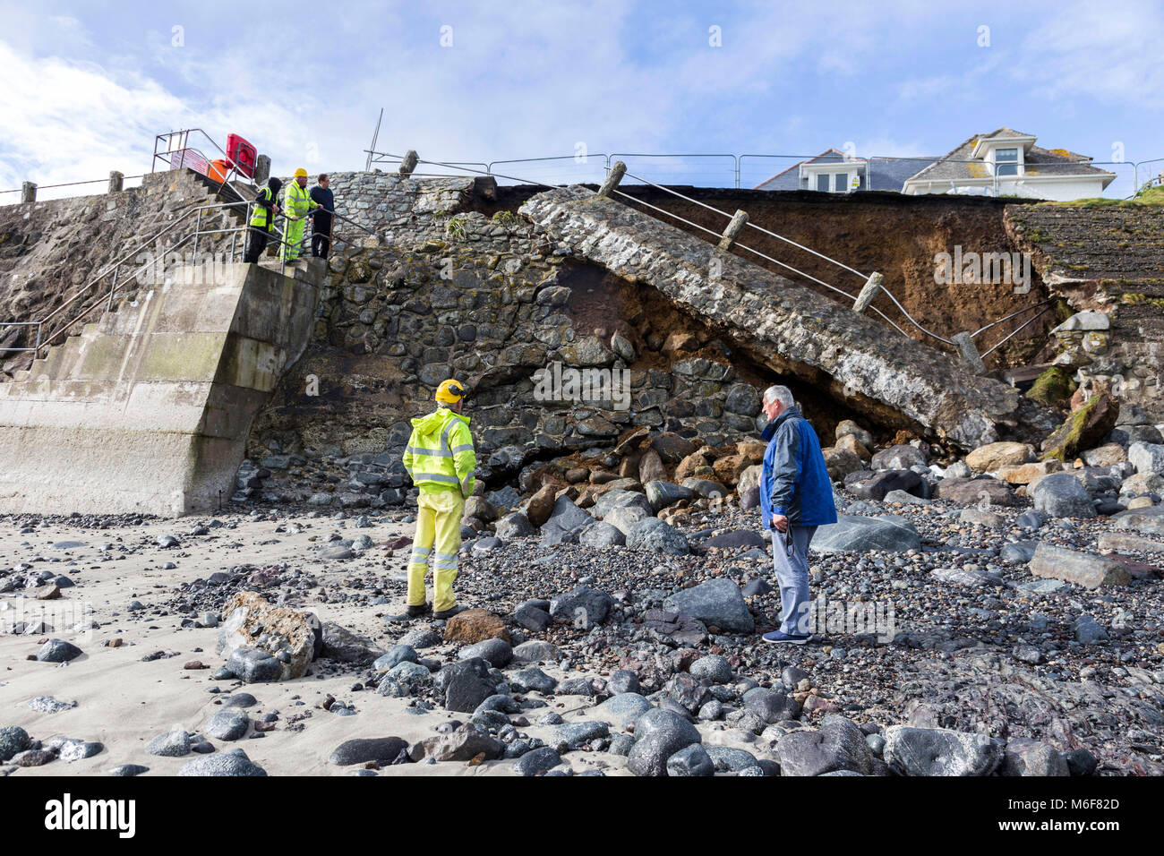 Coverack Road Collapse.  20 minutes latter, a large section colapsed, right where I had been standing!! Cornwall - Stock Image